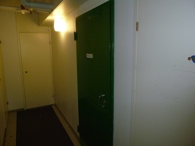 Lämmönjakohuoneen ovi