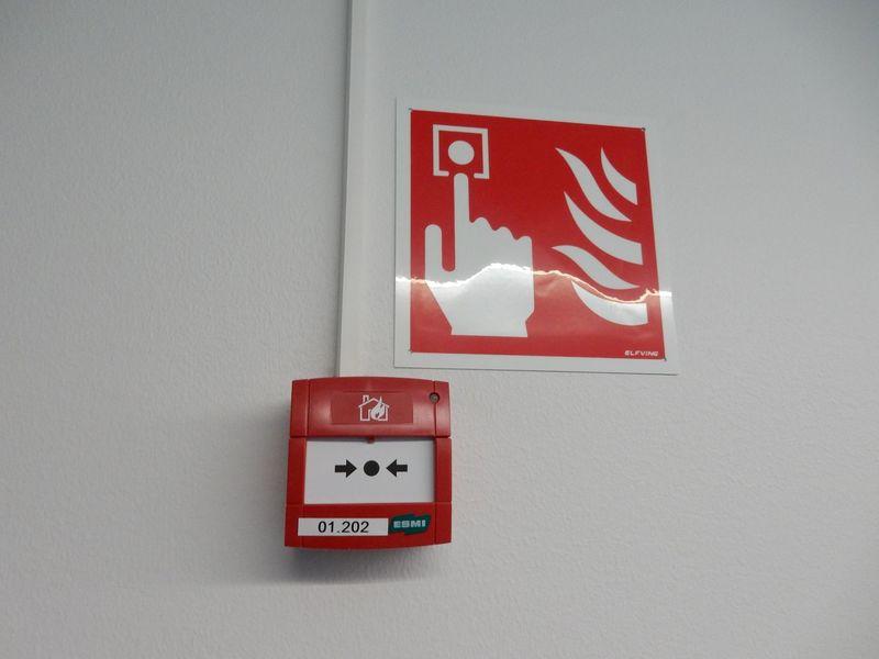 Paloilmoitinpainike